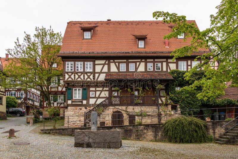 Sindelfingen, Baden Wurttemberg /Germany - 11 Mei, 2019: Traditionele helft-Betimmerde huisvoorgevels in Centrale Districtsweg, H stock foto's