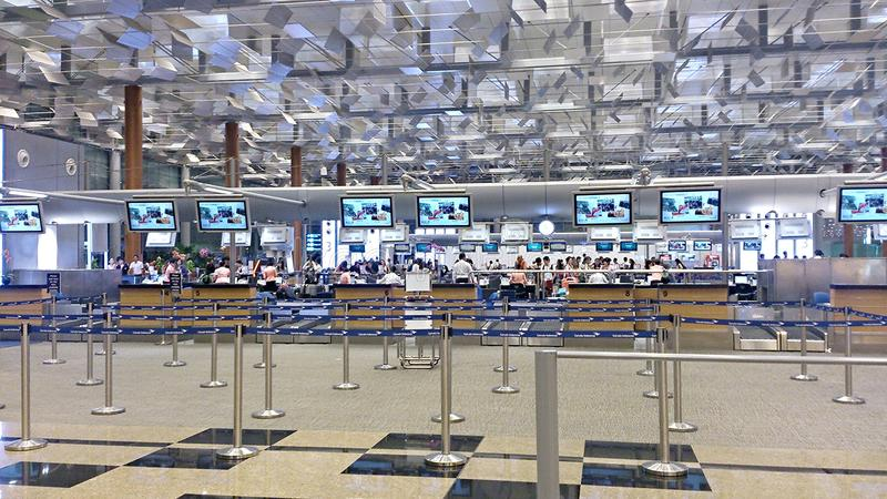 Download Singapore Airline Check-in Counters Editorial Photo - Image: 44073846