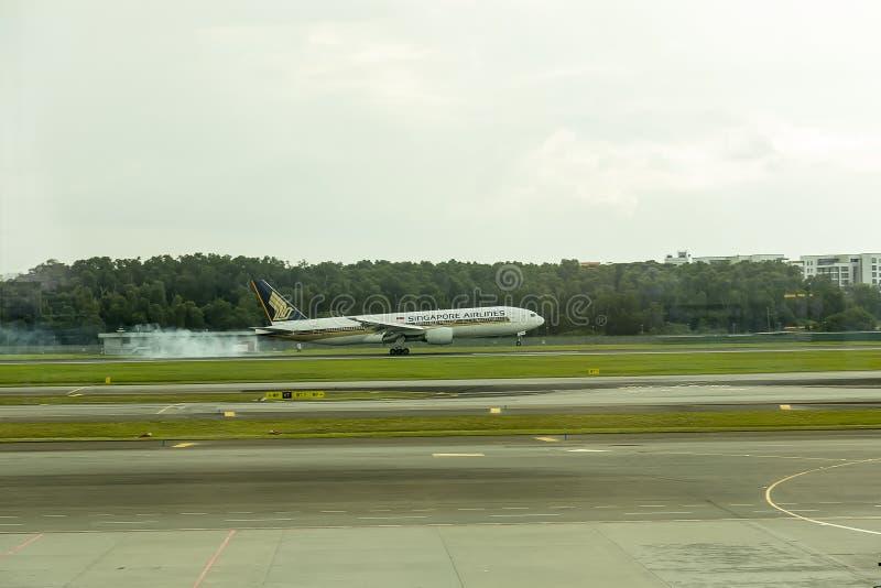 Singapore Airlines samolotowy lądowanie obrazy royalty free