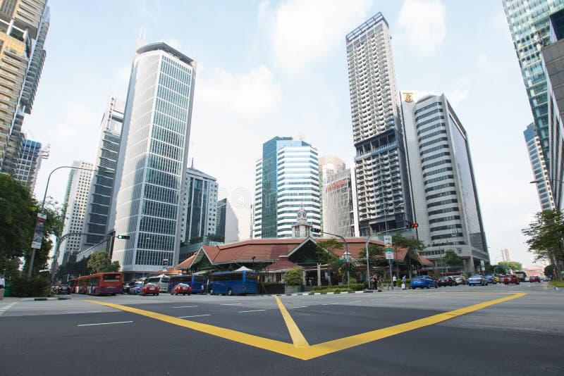 SINGAPORE - APRIL 10,2016: Byggnad och skyskrapa i Singapore royaltyfri foto