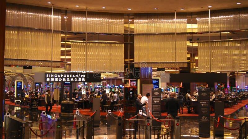 SINGAPORE - 2 aprile 2015: Casinò a Marina Bay Sands Resort Hotel È fatturato come il ` s del mondo più costoso immagine stock libera da diritti