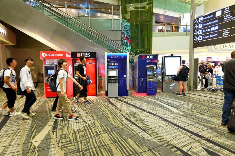 Singapore: ATM bij de luchthaven stock foto