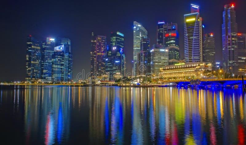 Singapore bij nacht stock afbeelding