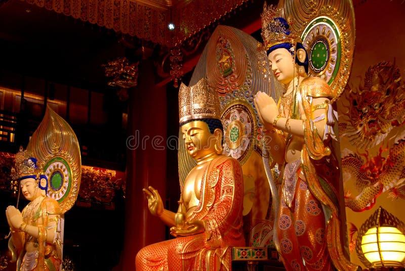 Singapore: Buddas bij de Tempel van het Overblijfsel van de Tand van Boedha stock afbeeldingen
