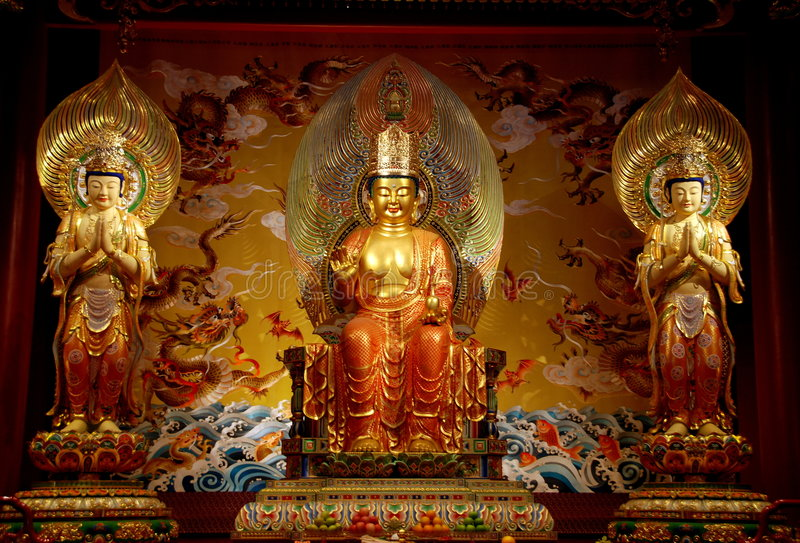 Singapore: Buddhas no templo da relíquia do dente de Buddha fotos de stock
