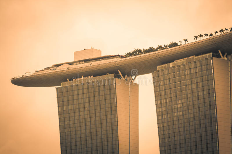 Singapore, 20,2013 December: Marina Bay Sands Resort Hotel stock foto