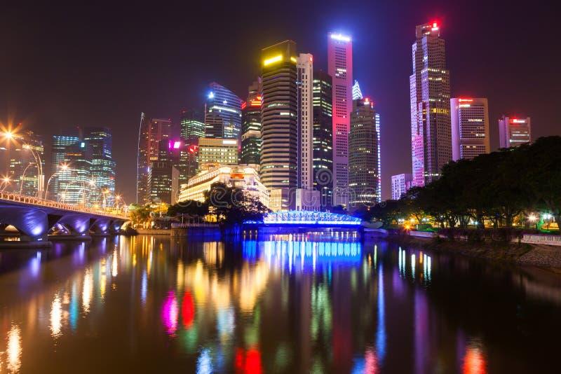 Singapore em a noite imagens de stock