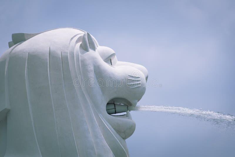 Singapore& x27; estátua do merlion de s foto de stock