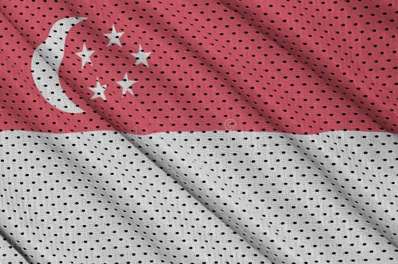 Singapore flagga som skrivs ut på en fabr för ingrepp för polyesternylonsportswear arkivfoto
