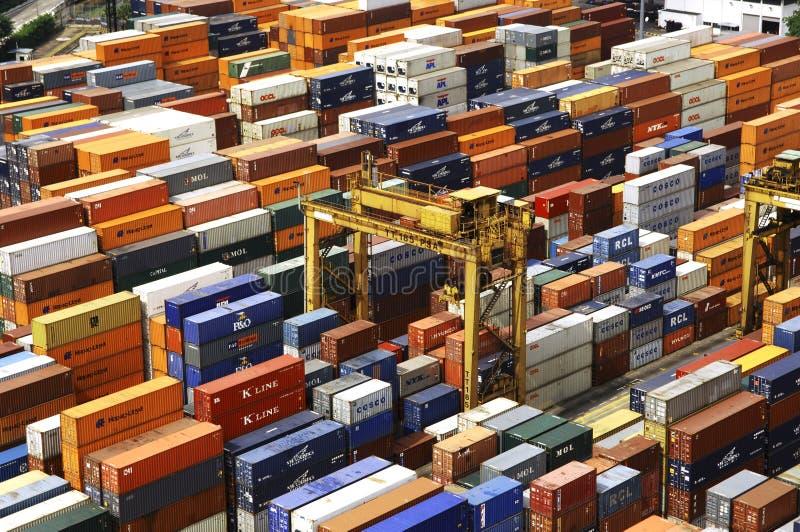 Singapore: Haven, containers royalty-vrije stock afbeeldingen
