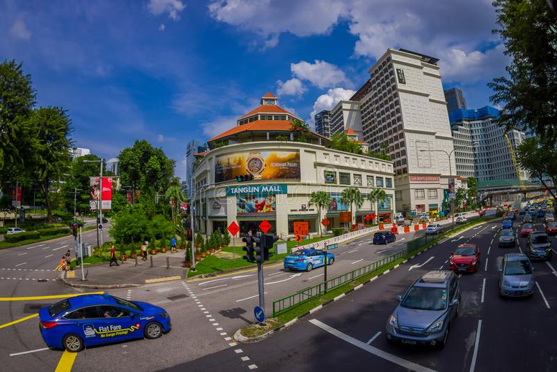 SINGAPORE, SINGAPORE - JANUARI 30 2018: Auto's, Straat en Stedelijke scène in het centrale district van Singapore stock foto's
