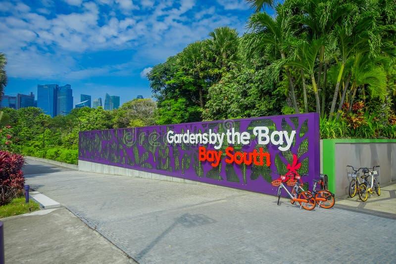 SINGAPORE, SINGAPORE - JANUARI 30, 2018: Dagmening van Ingang aan Tuinen door de Baai in Singapore Het overspannen van 101 hectar stock foto