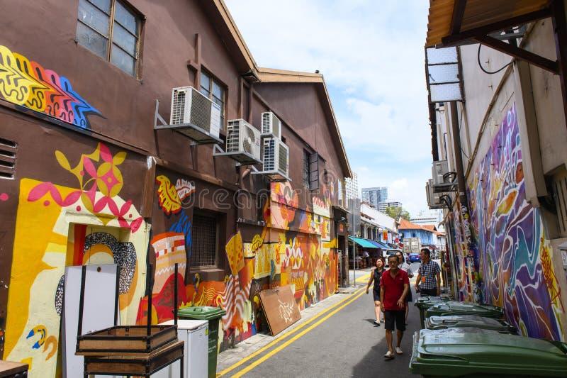 Singapore, Singapore - Januari 30, 2019: Graffiti op de muren van oude gebouwen Haji Lane stock foto