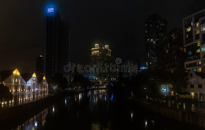 Singapore - Januari 2019: Het panorama van de de riviernacht van Singapore stock afbeelding