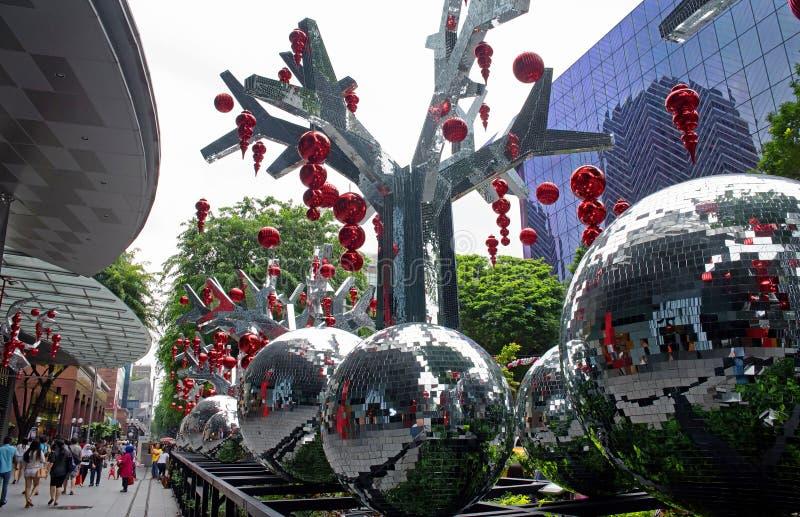 Singapore-januari 2016, Kerstmisdecoratie op Boomgaardweg stock afbeeldingen