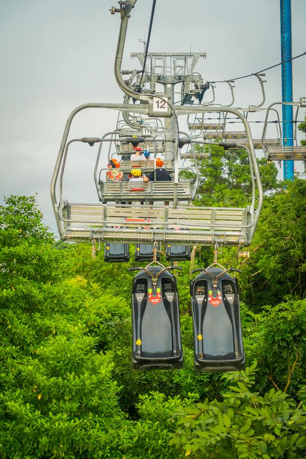 SINGAPORE, SINGAPORE - JANUARI 30, 2018: Openluchtmening van de lege Kabelwagen en Horizon Luge, Singapore van Singapore Sentosa royalty-vrije stock fotografie