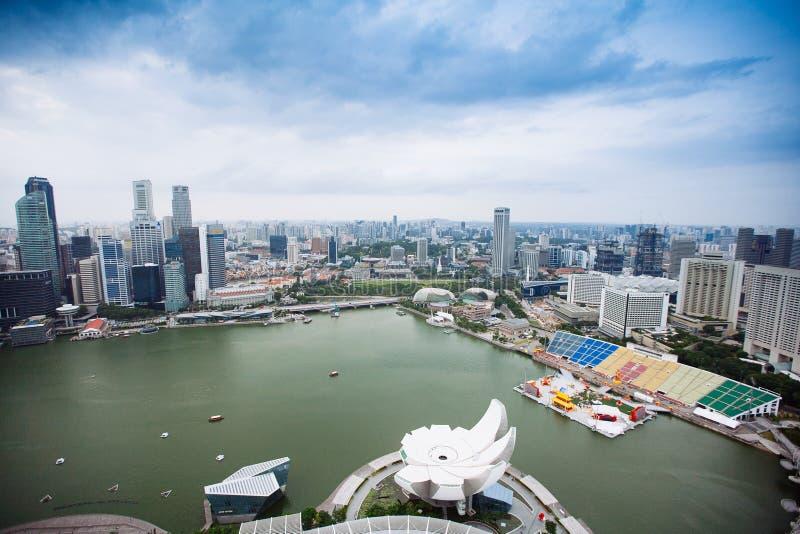 SINGAPORE - JANUARI 20, 2014: Stedelijk landschap van Singapore Horizon en moderne wolkenkrabbers van bedrijfsdistrict Marina Bay royalty-vrije stock afbeelding