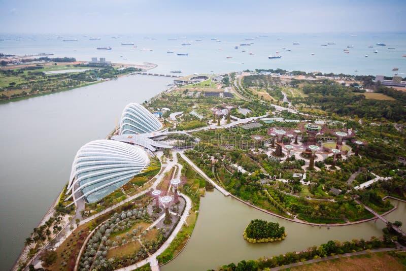 SINGAPORE - JANUARI 20, 2014: Stedelijk landschap van Singapore Horizon en moderne wolkenkrabbers van bedrijfsdistrict Marina Bay royalty-vrije stock afbeeldingen