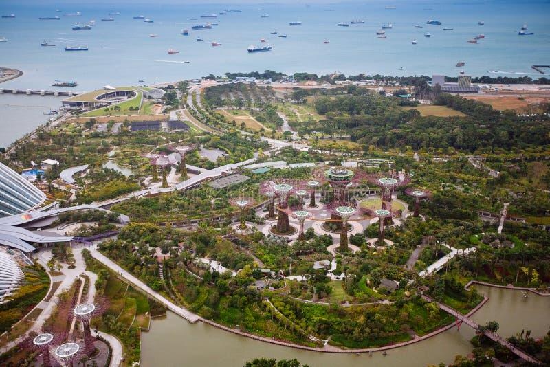 SINGAPORE - JANUARI 20, 2014: Stedelijk landschap van Singapore Horizon en moderne wolkenkrabbers van bedrijfsdistrict Marina Bay royalty-vrije stock foto