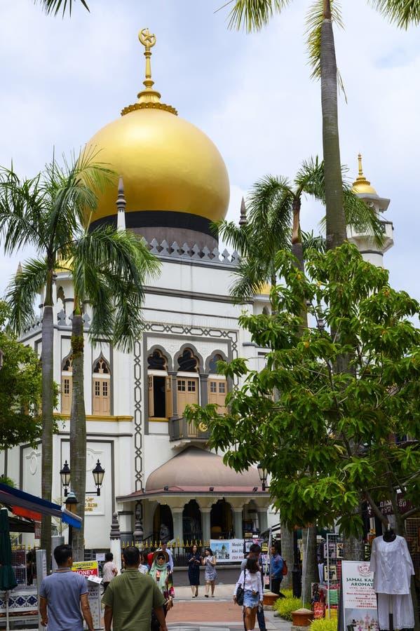 Singapore, Singapore - Januari 30, 2019: Straatmening van Singapore met Masjid-Sultan stock foto's