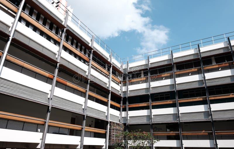Singapore-27 JUNI 2019: Singapore möjliggöra fasaden för byggnad för bybranschstil arkivbilder