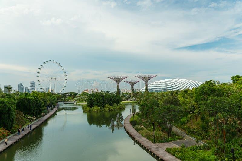 SINGAPORE - 12 MAGGIO: Giardini dalla baia il 12 marzo 2014 in Singap fotografia stock libera da diritti