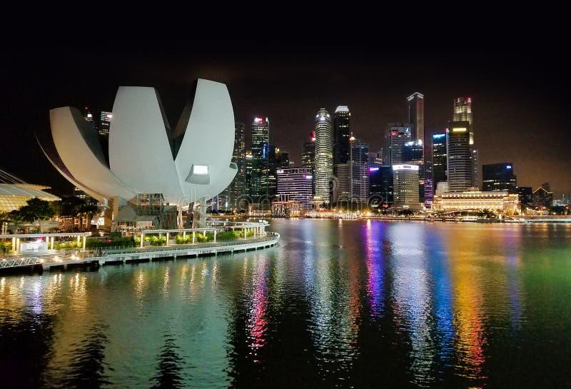 SINGAPORE, SINGAPORE - 6 maggio 2017: Museo di ArtScience a Marina Bay Sands fotografia stock libera da diritti
