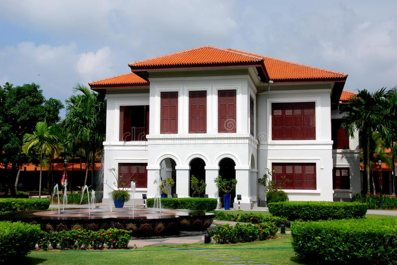 Singapore: Malay Heritage Center. Lovely grounds, fountains, and gardens at the handsome 1840 Malay Heritage Center in the Kampong Glam Arab district - Xu Lei stock image