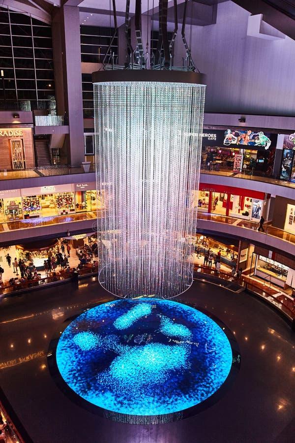 SINGAPORE - 19 marzo 2019: Tela leggera di Digital agli Shoppes in Marina Bay Sands immagine stock