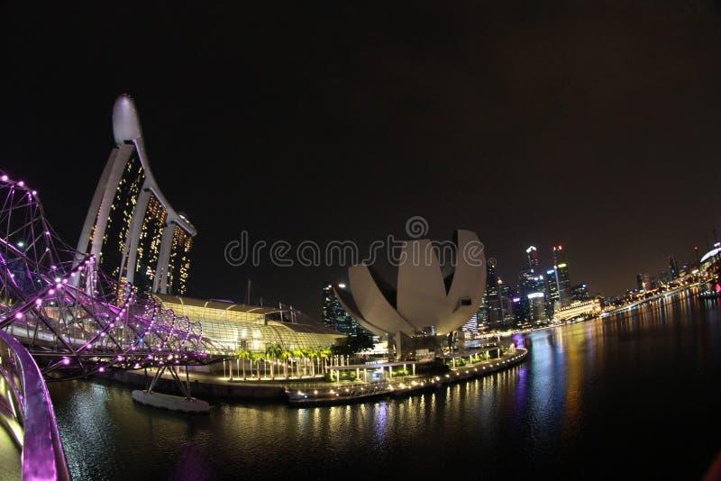 Singapore, mening van de Baai van Marina Bay bij nacht stock afbeeldingen