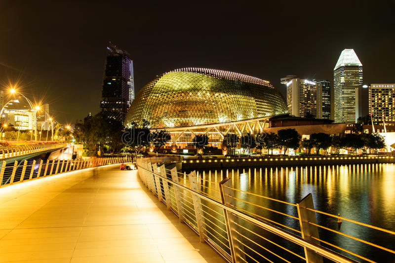 SINGAPORE - NOVEMBER 23, 2016: night scene at Esplanade theatre. On NOVEMBER, 2016. Esplanade theatre is a 60,000 square metres performing arts center located stock images