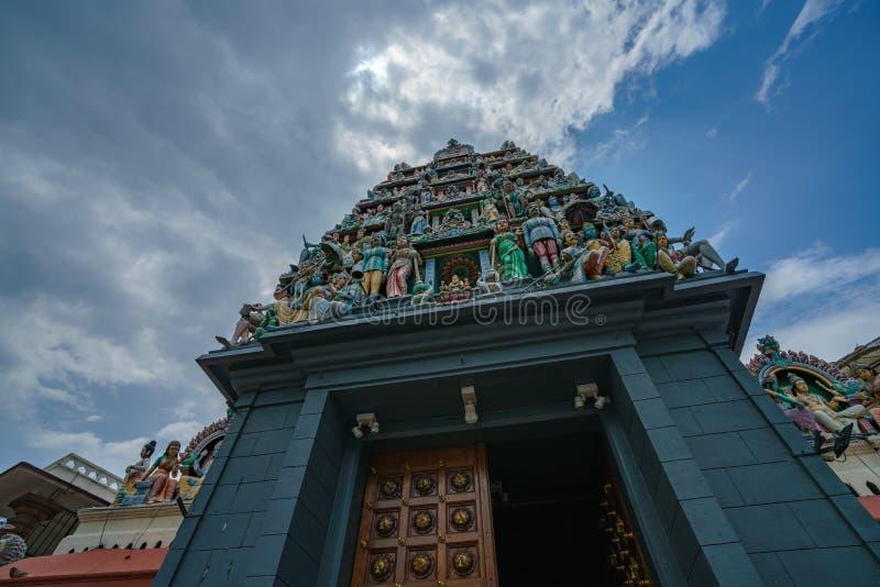 Singapore - oktober 16, 2018: den hinduiska templet kallade srimariammantemplet arkivfoton