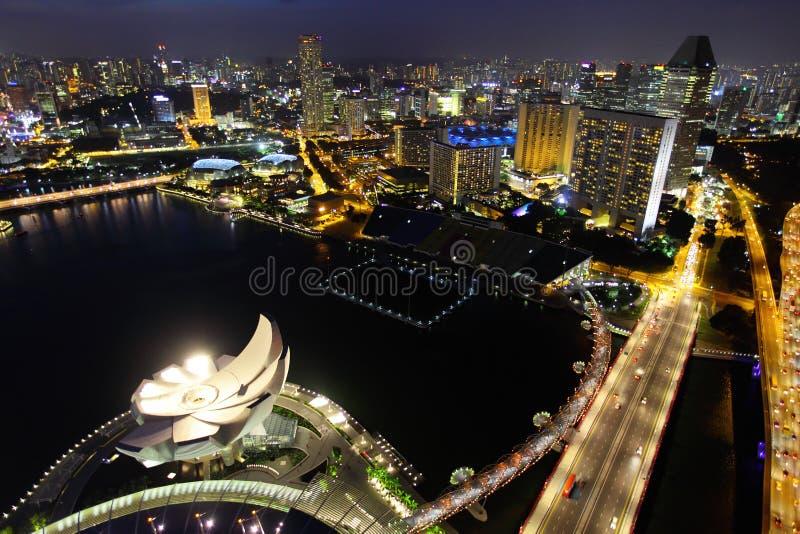Singapore på natten royaltyfri bild