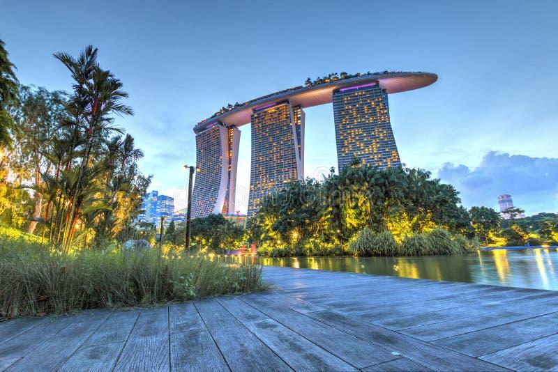 Singapore September 29: Oerhörd aftonsikt av Marina Bay Sands arkivbild