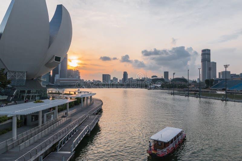 Singapore 29, September, 2018: sikt på affärsområde i solnedgång royaltyfria foton