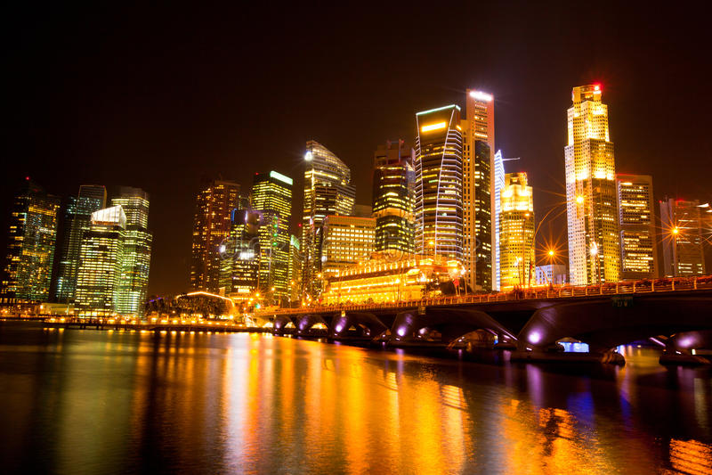 Singapore stad på natten royaltyfri fotografi