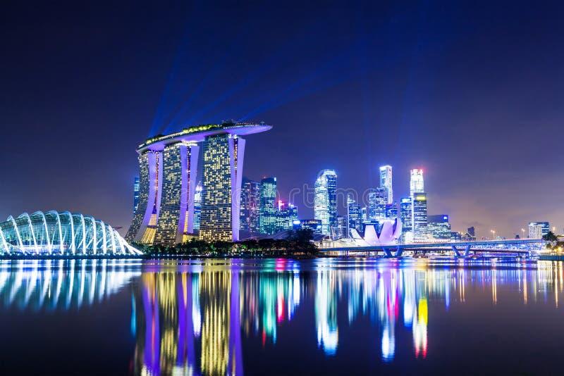 Singapore stad på natten royaltyfria bilder