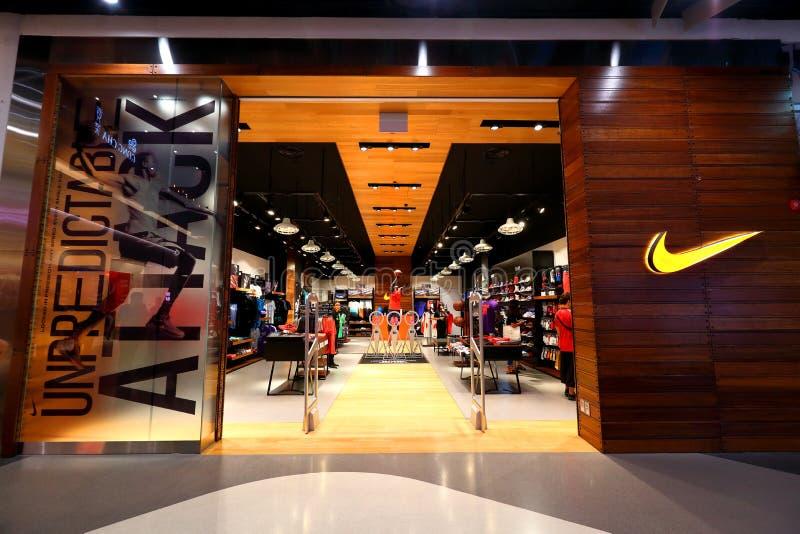 Singapore: Uttag för Nike detaljhandelboutique royaltyfria bilder