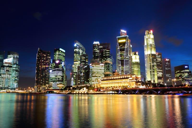 Download Singapore vid natt fotografering för bildbyråer. Bild av gator - 27279777