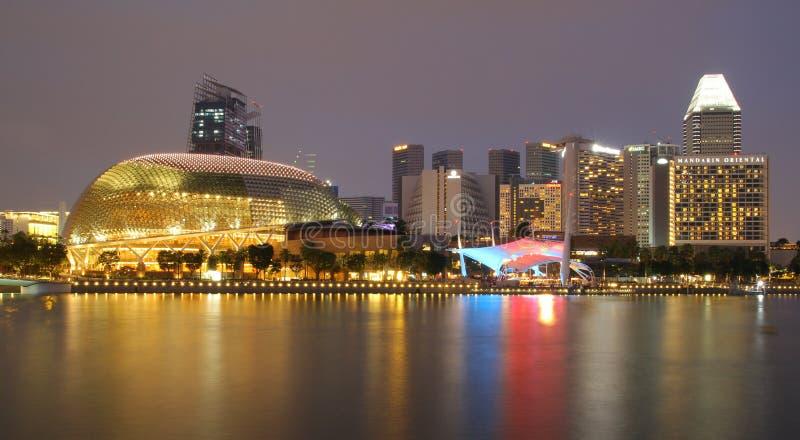 SINGAPOUR - 10 AVRIL 2016 : Esplanade - les théâtres sur la baie est a photo libre de droits