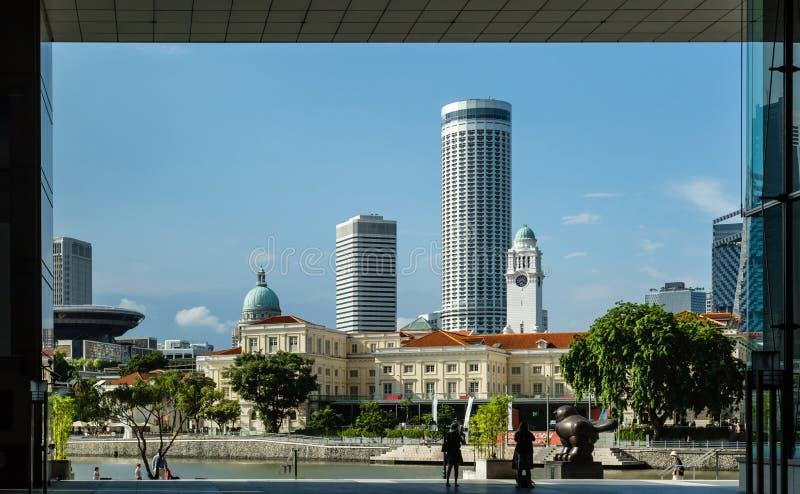 SINGAPOUR 1ER MAI 2017 : paysage urbain avant de paysage de rivière photographie stock libre de droits