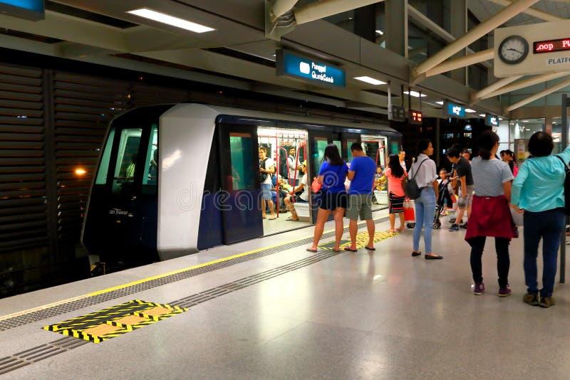 Singapour : Transit de chemin de fer léger (LRT) photo libre de droits