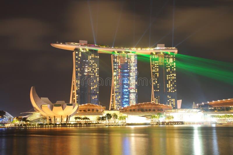 SINGAPUR - ABRIL 10,2016: Horizonte para la arena de la bahía en Singapur imagen de archivo