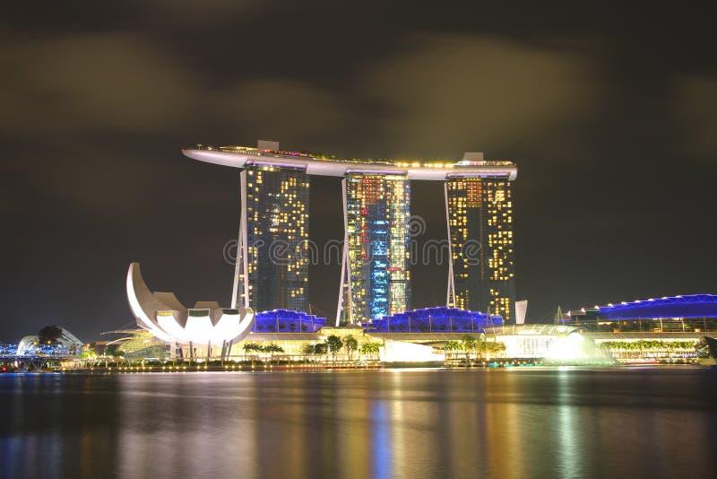 SINGAPUR - ABRIL 10,2016: Horizonte para la arena de la bahía en Singapur foto de archivo