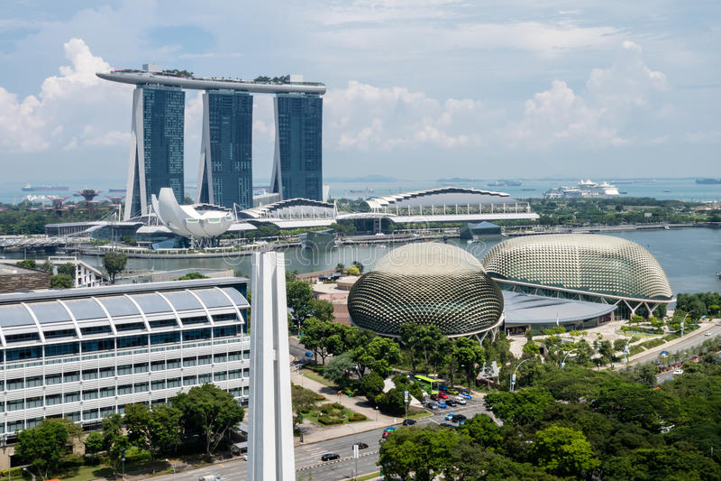 Singapur céntrico, teatros de la explanada en la bahía, Marina Bay Sa imagenes de archivo