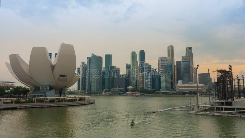 Download Singapur, Czerwiec - 13,2014: Marina Podpalani Piaski Hotelowi Jeden Mo Fotografia Editorial - Obraz złożonej z nowy, hotel: 41954292