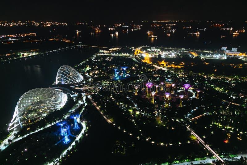 SINGAPUR - 19 DE ENERO DE 2016: vista aérea de edificios y del río de la ciudad fotografía de archivo libre de regalías
