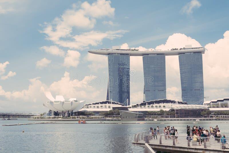 SINGAPUR 15 de julio de 2015: Marina Bay Sands Resort en Singapur fotos de archivo