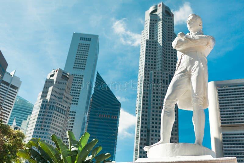 Singapur. Estatua de sir Raffles fotos de archivo