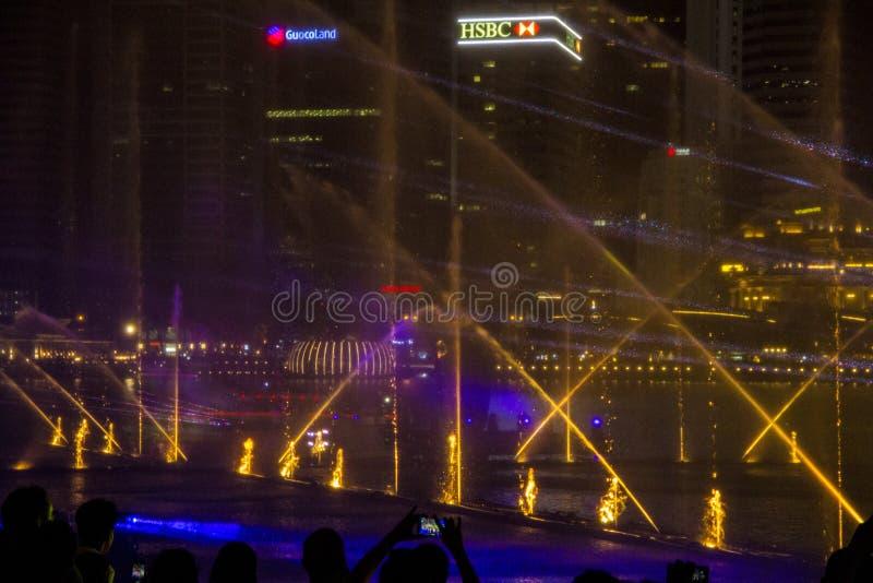 Singapur 11-27-2017: Helle Show gro?artig an den G?rten durch die Bucht lizenzfreie stockfotografie